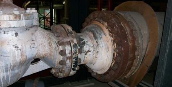Large uninsulated pipe reducer