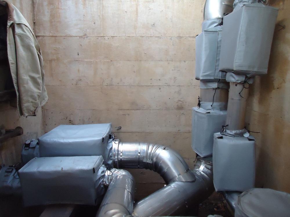 Steam vault with insulation jackets