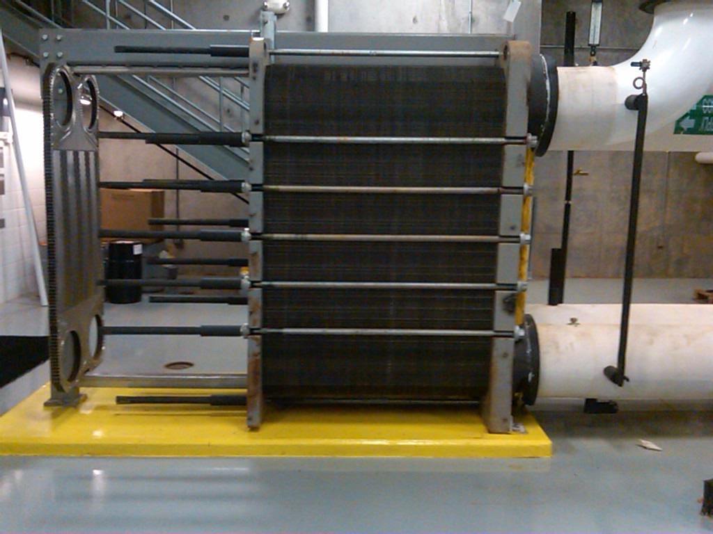 A Uninsulated Plate & Frame Heat Exchanger